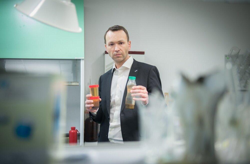 Keskkonnaministeeriumi veeosakonna juhataja Rene Reisneri sõnul on enim reostunud veekogud Eestis Maardu lähedal ja Ida-Virumaal, kus leidub keemiatööstusi ja laohooneid.