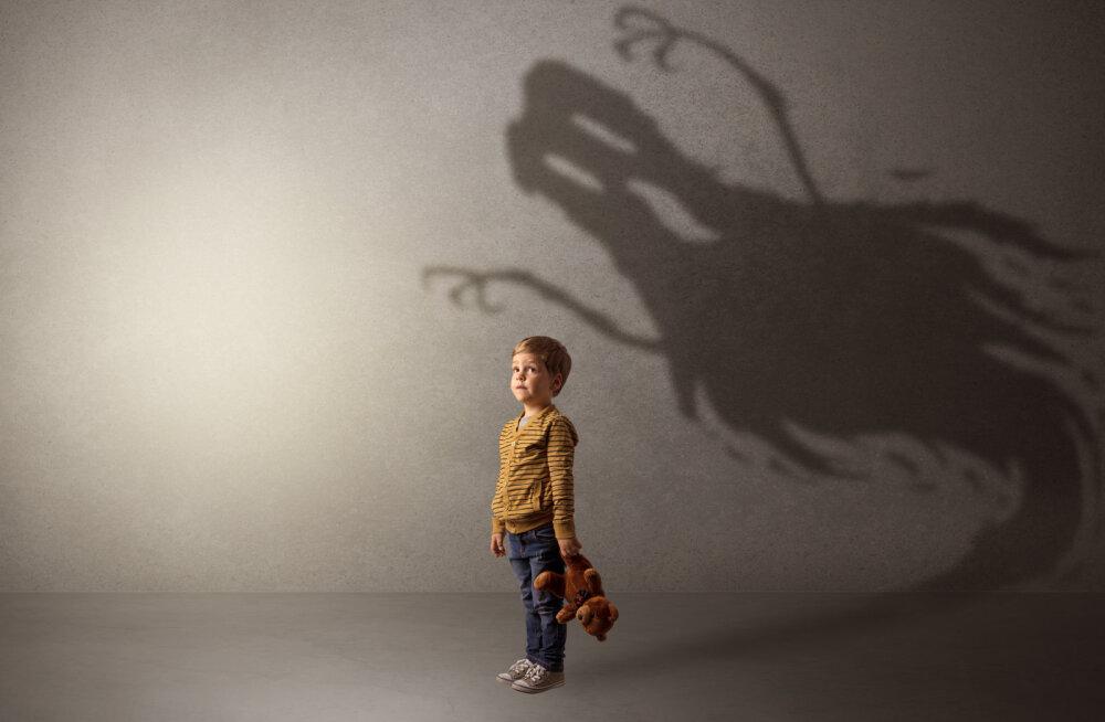 Psühholoog pani vanuse järgi kirja, mida meie lapsed tegelikult kardavad