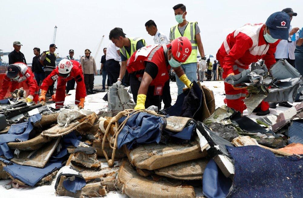 Allakukkunud Lion Airi lennuki piloot tahtis ka eelmise lennu alguses tagasi pöörata