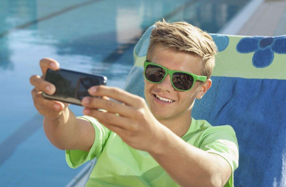 Basseini ääres tehtud selfisid saab nüüd suuri arveid kartmata üles laadida