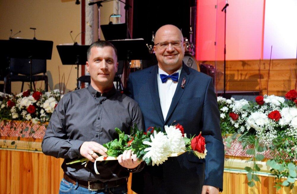 Valka andis Einar Visnapuule tänukirja kultuuri-, spordi- ja sotsiaalprojektide toetamise eest