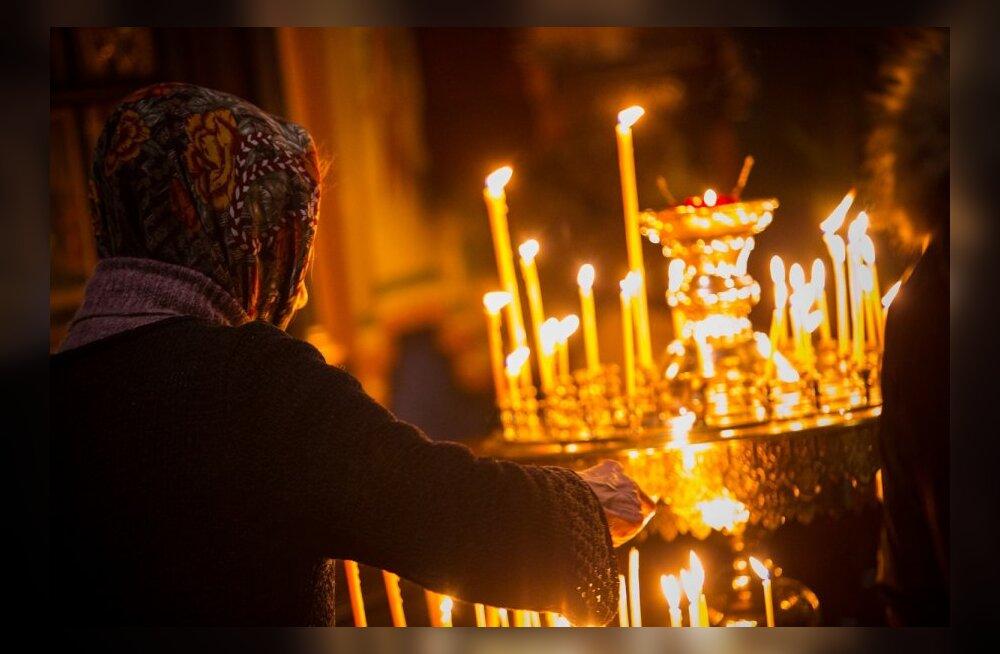 esimene jumalateenistus Nevski katedraalis