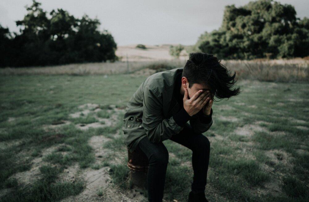 Enesevigastamine on saamas noorte seas trendiks! Mis ikkagi paneb ühe teismelise end lõikuma ja kuidas temaga sellest rääkida?