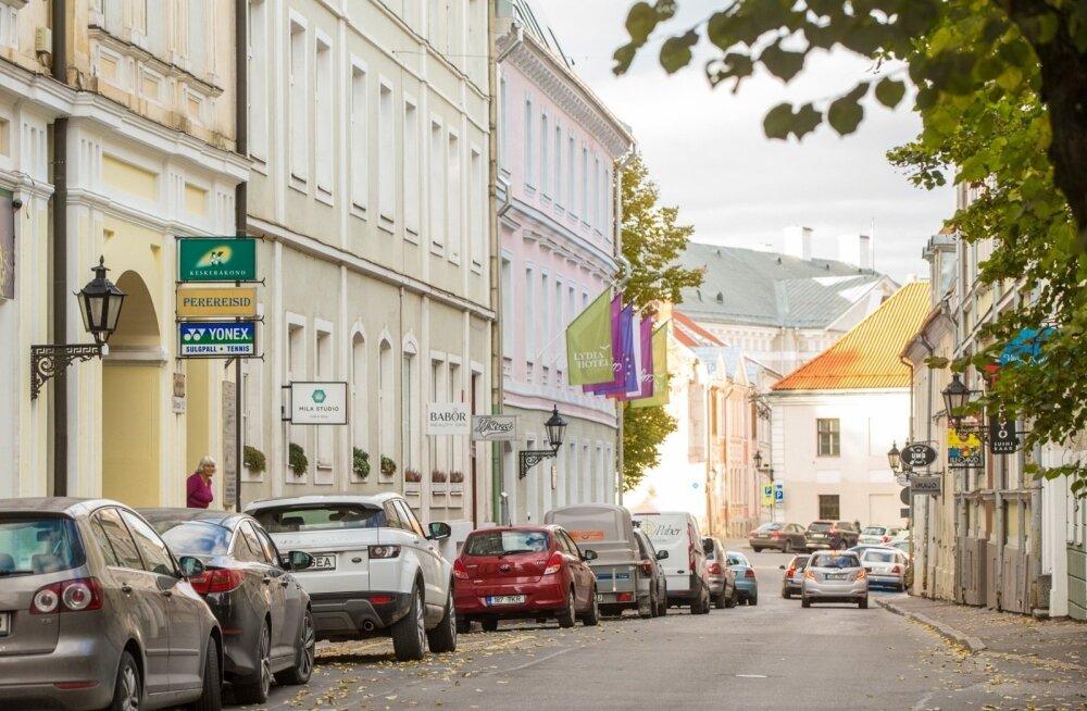 """Свидетель расистских нападок в Тарту: они кричали одному темнокожему """"негр"""", а другого ударили ногой"""