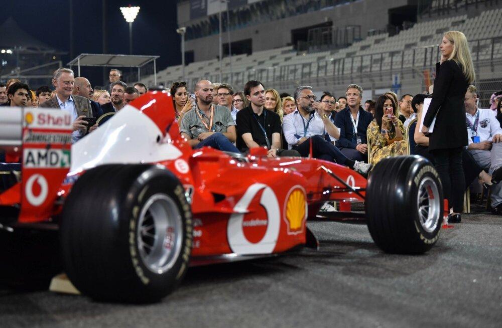 FOTOD | Üks Schumacheri F1 auto müüdi maha 6 miljoni euroga, teine omanikku ei leidnudki