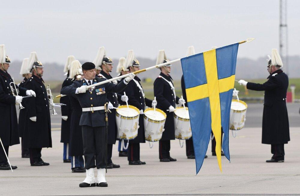 Rootsi kaitseväes tegutses aastaid valeohvitser, keda ülendati ja kes sai nõudlikke ameteid