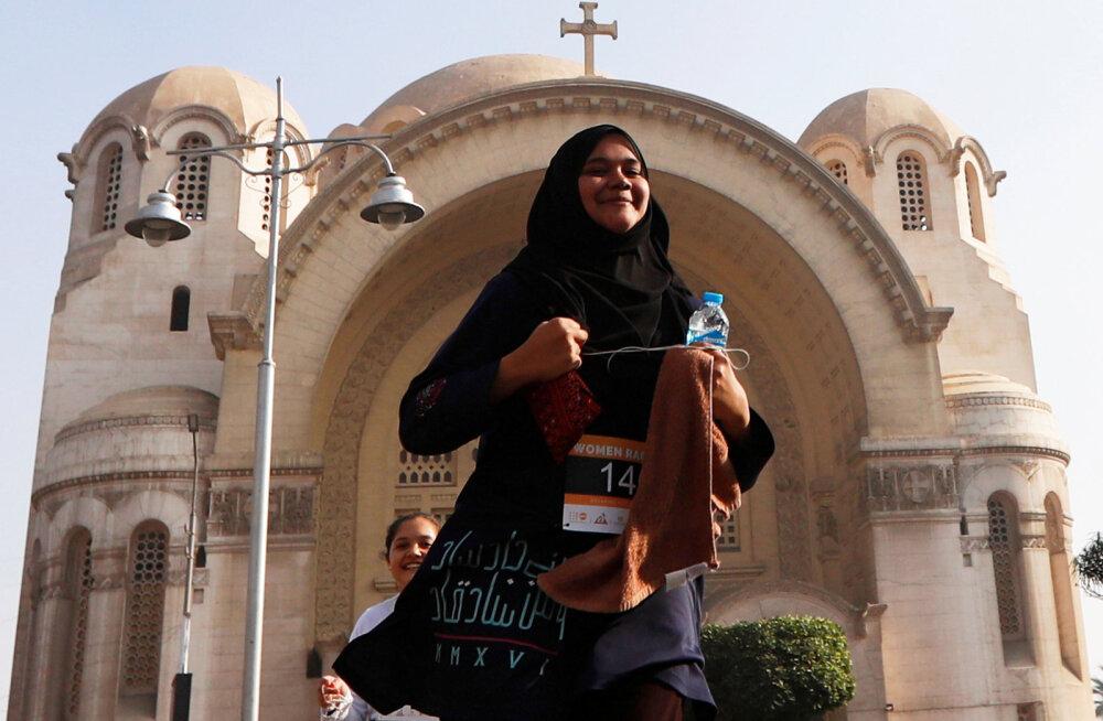 Mitmenaisepidamine Egiptuses: maja või uue kleidi saad sa ju kõigile osta, aga aega ja tundeid ei ole nii kerge võrdselt jagada