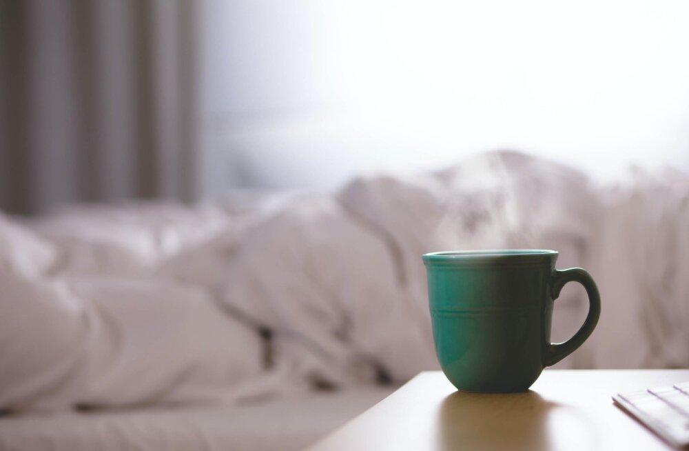 Sa ei ole hommikuinimene? Võta omaks paar head harjumust, mis muudavad su hommikud palju paremini talutavaks
