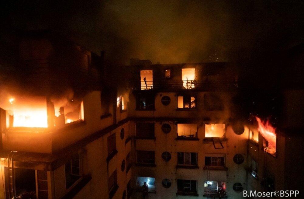 FOTOD | Pariisi kesklinna tulekahjus hukkus kümme inimest, kahtlustatakse süütamist