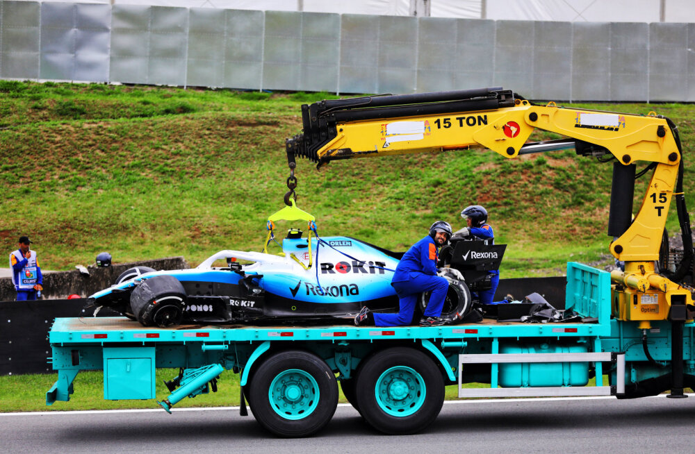 Robert Kubica masin pärast avariid