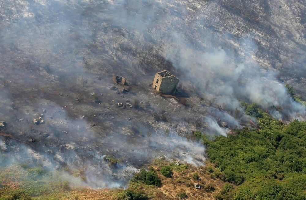 ФОТО: На юге Франции из-за природных пожаров эвакуировали 10 тысяч человек