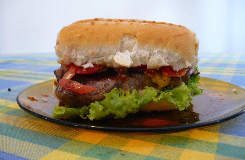 Kumb on tervislikum kiirtoit: hamburger või võileib?