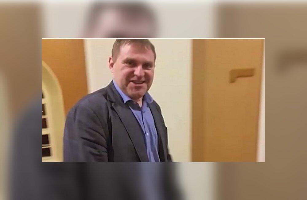 Депутат пьянствовал на ночном заседании: чтобы жать на кнопку, необязательно быть совсем трезвым