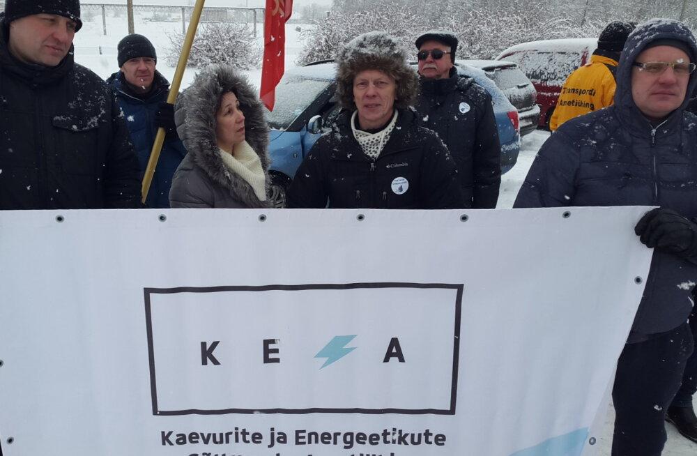 Лидеры профсоюза шахтеров и энергетиков приехали поддержать работников Раквереского мясокомбината