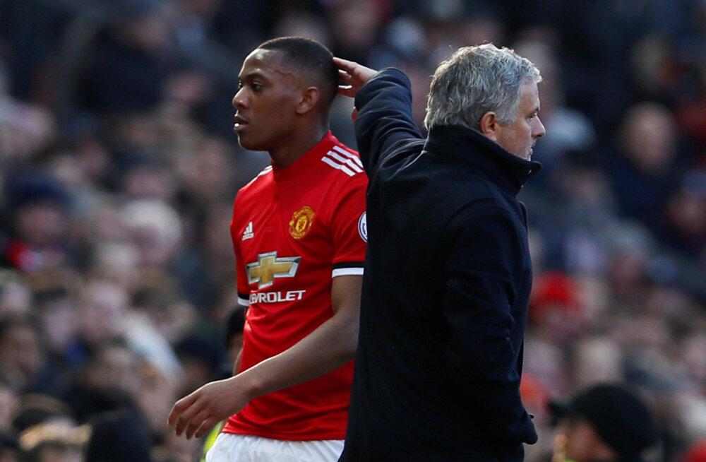Jose Mourinho kritiseeris oma mängijat, kuna ta ei naasnud pärast lapse sündi piisavalt kiiresti meeskonna juurde