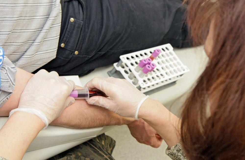 Спрос превысил ожидания: к сбору генетических проб присоединилась третья аптека