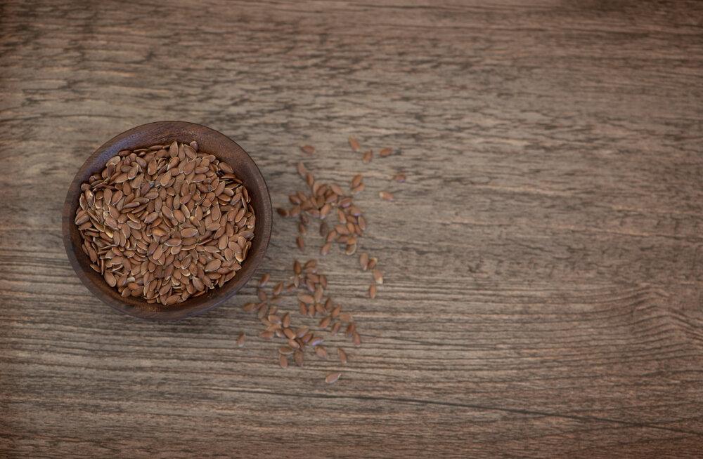 Почему льняное масло и семена гарантируют женщинам красоту и здоровье
