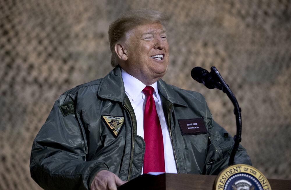 Trumpi uusaasta kingitus riigiametnikele. Palgatõus jääb ära