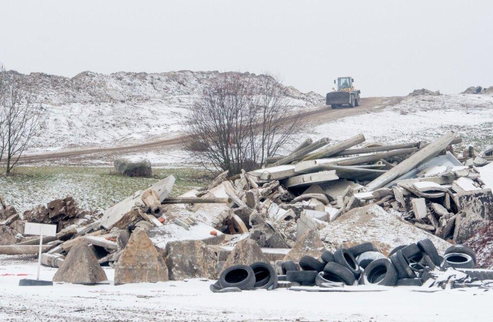Lääne-Saare valla ehitusjäätmed lähevad voliniku eratee täiteks