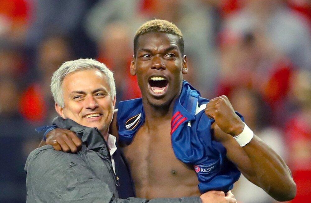 Jose Mourinho ja Paul Pogba.