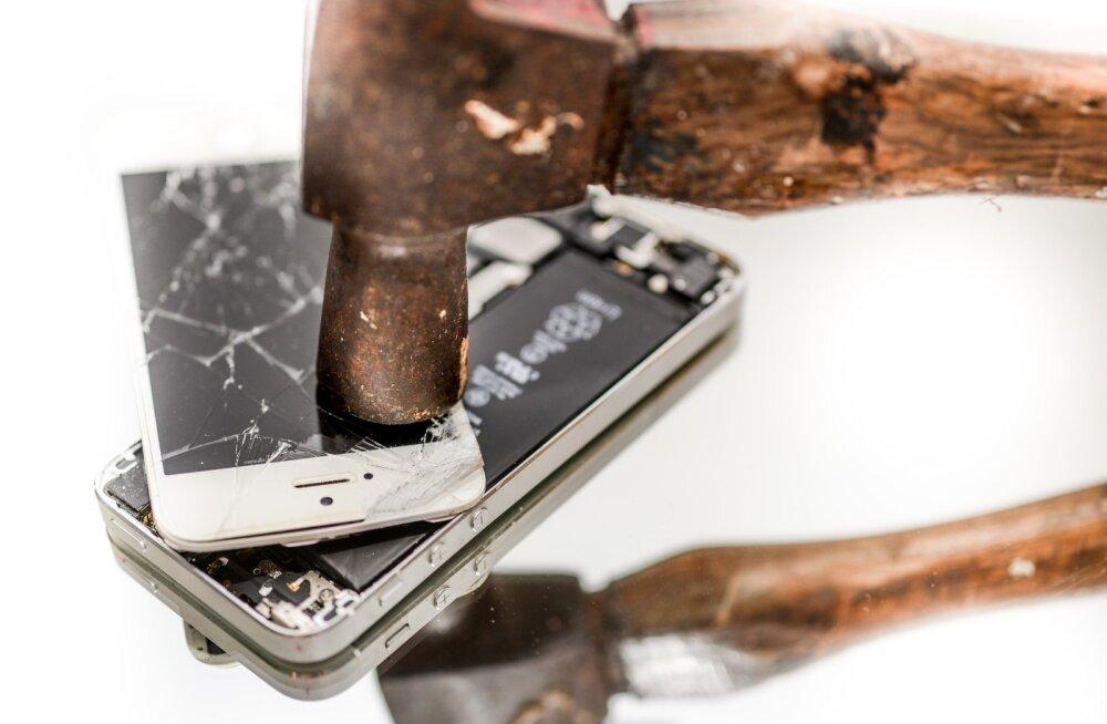 Apple palkas teise firma iPhone'e lõhkuma, too hakkas neid hoopis salaja edasi müüma