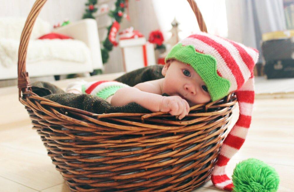 Левши, жаворонки, долгожители: что говорит наука о детях, родившихся в декабре