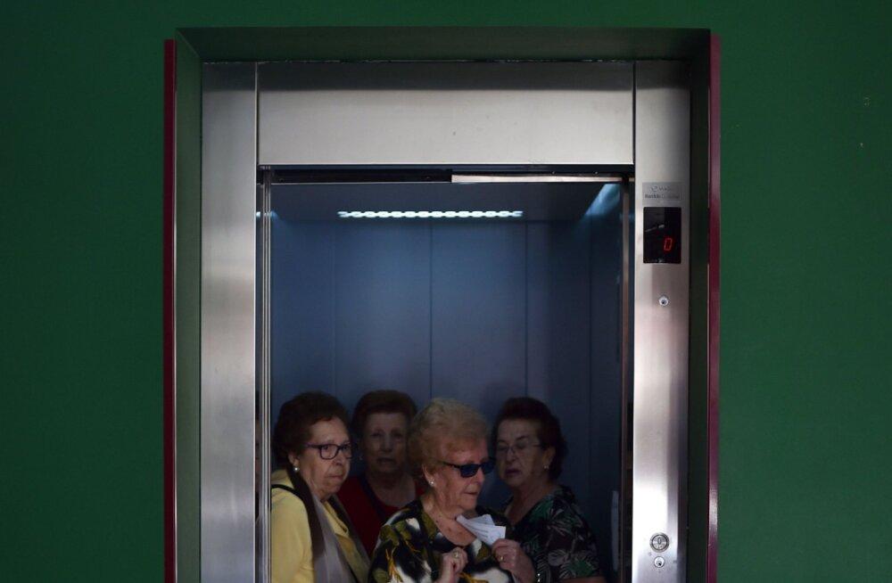 Suur olmepettus: kas uste sulgemise nupp liftides tõepoolest ei tööta?