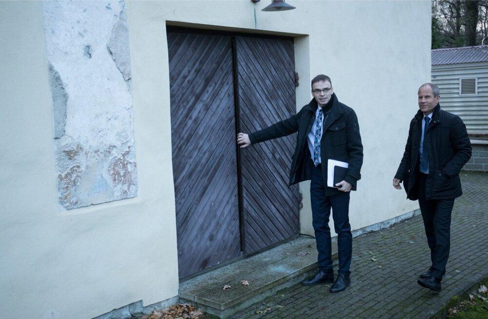 Riigikaitse komisjon kogunes Kadrioru lossi jääkeldrisse, liituvad välisminister Sven Mikser ja rahandusminister Toomas Tõniste.