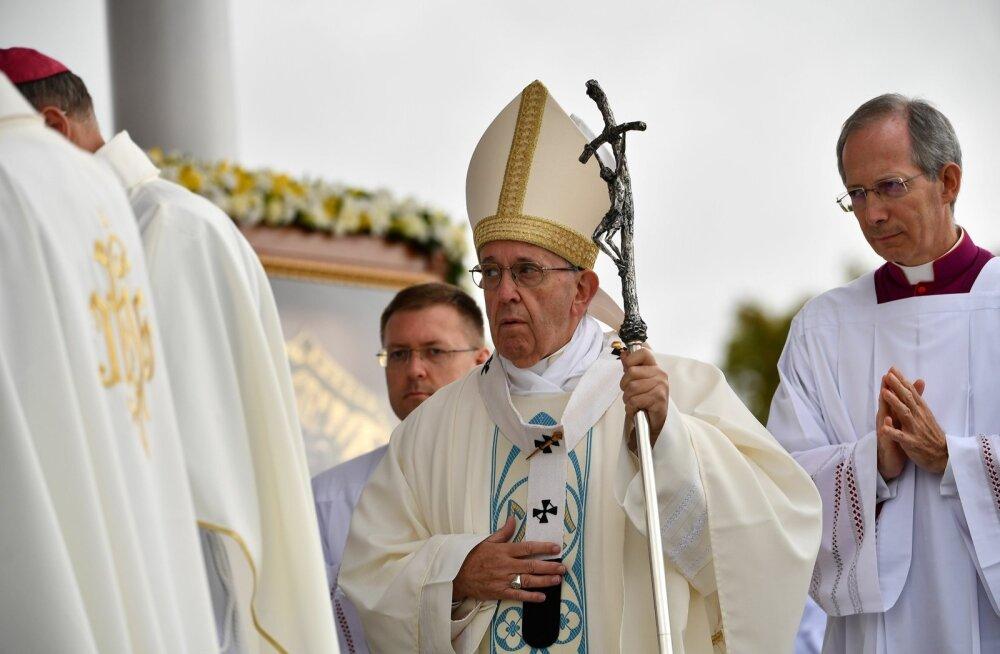 Tallinna koguneb sadu Soome katoliiklasi: tundub peaaegu, nagu oleks paavst Soomes