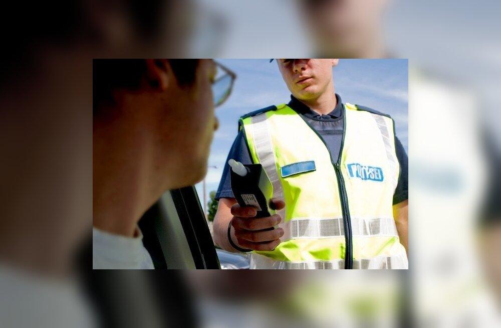 """СМОТРИТЕ: регистр полиции раскрывает """"подвиги"""" самых нахальных алководителей Эстонии"""