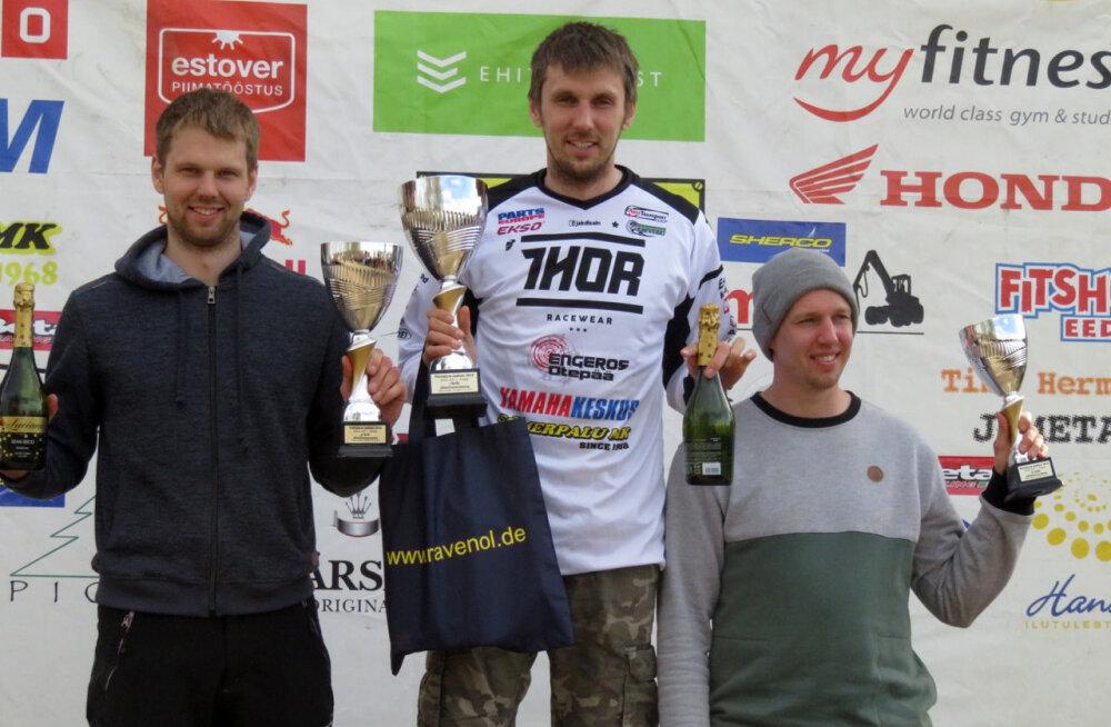 Fotol vasakult Martin Leok, Aigar Leok ja Veiko Rääts