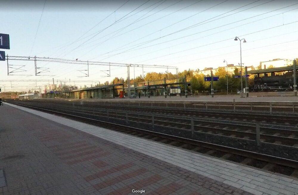 Soomes algas kohtuprotsess Kerava raudteejaamas rahvuskaaslase surnuks peksnud eestlaste üle