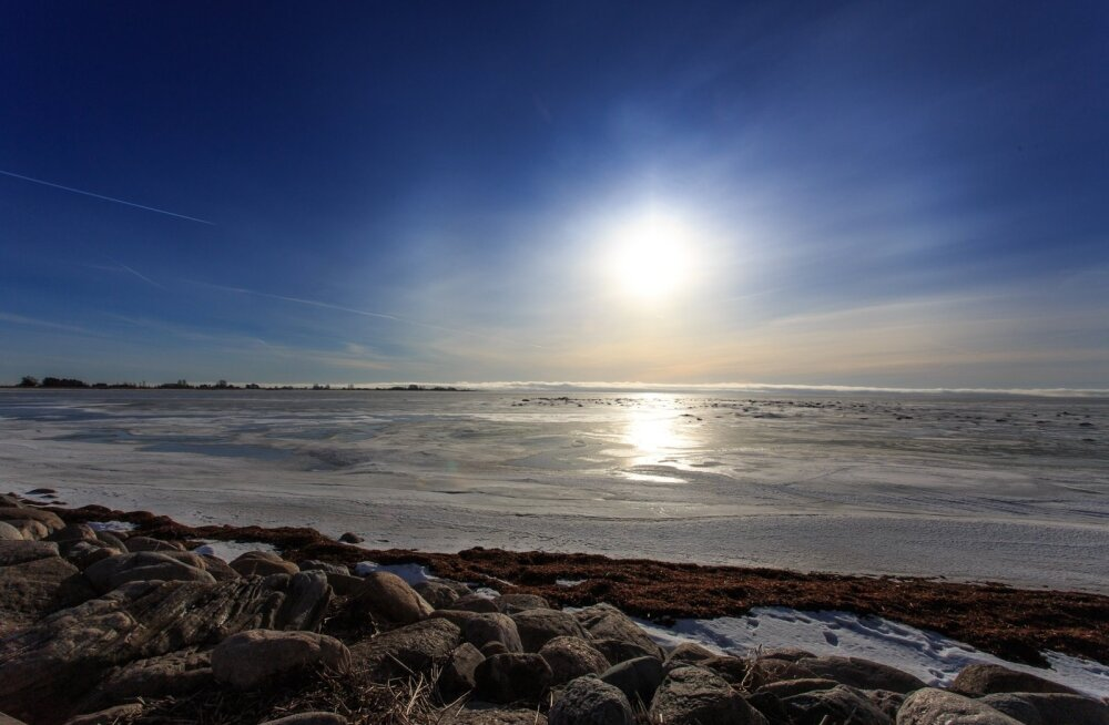 Päike kaotab endast välja voolavate gaaside ja mikroosakeste läbi igal aastal sama palju ainet, kui kaalub kogu Läänemere vesi.