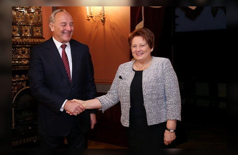 Президент Латвии доверил формирование правительства действующему премьеру