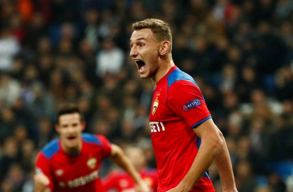 CSKA mängijad tähistamas Madridi Reali vastu löödud väravat.