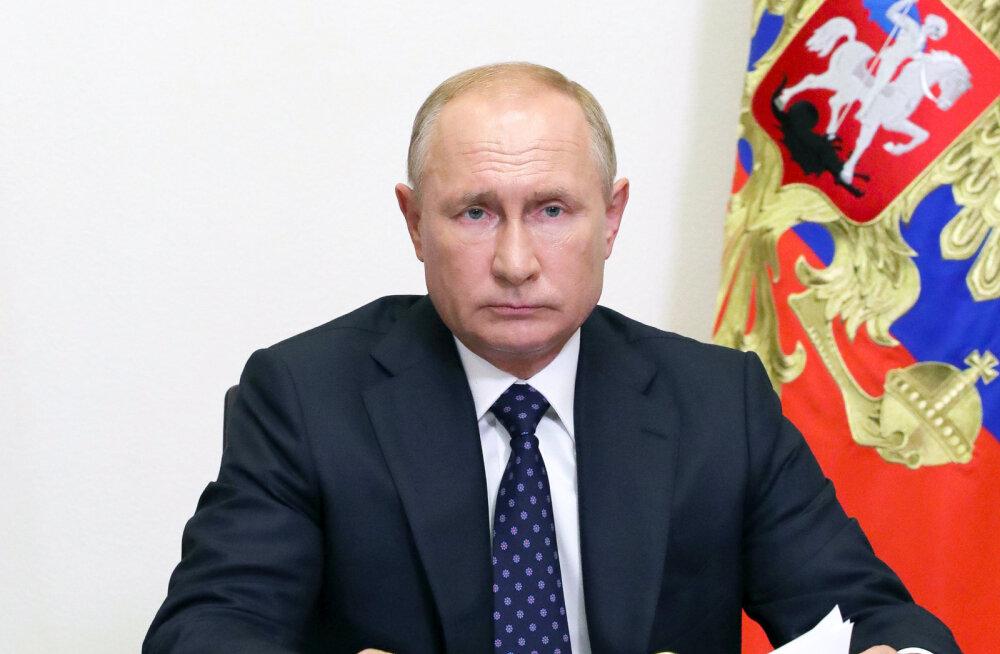 Putin andis Vene kooliõpilastele tunni Suure Isamaasõja võidu teemal: ajaloo ümberkirjutamisega nõustujad on tänapäeva kollaboratsionistid