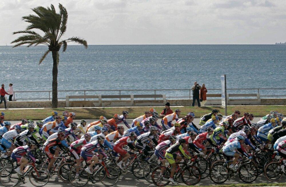 Kolumbia velotuuril jäi dopinguga vahele kaheksa ratturit