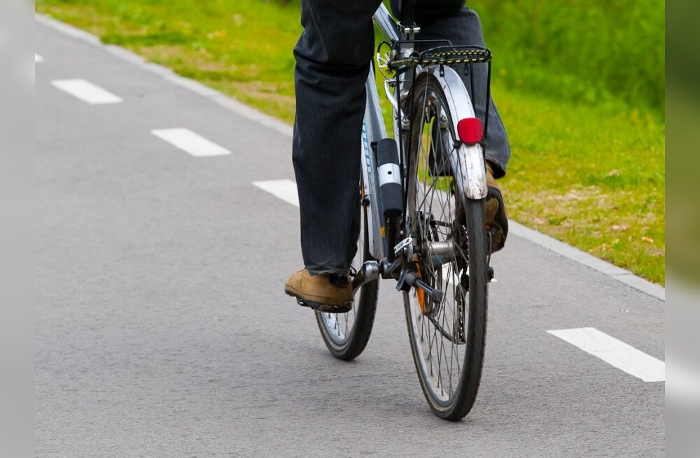 Jalgratturid lasevad uuele liiklusseadusele vilet