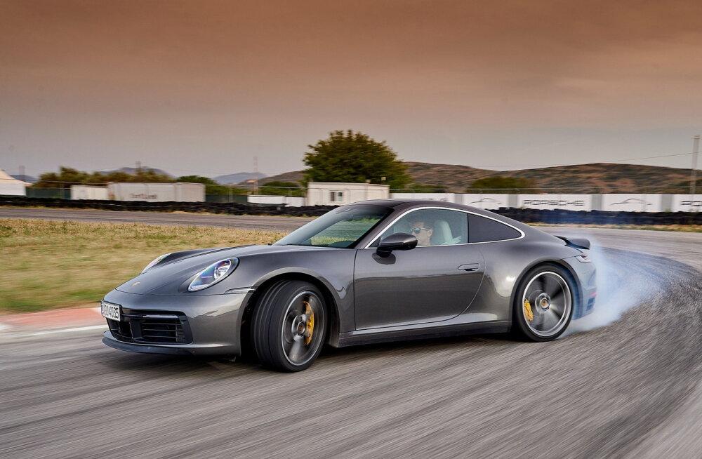 Kaheksas Porsche 911, ehk Coca-pudel kõigile