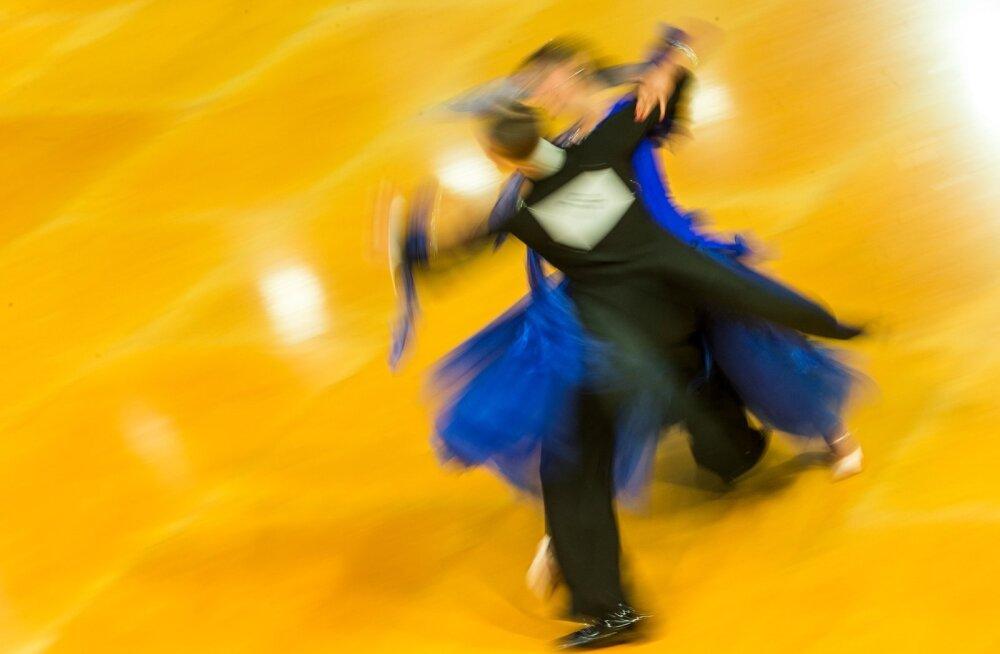 Muhulane tantsis end Pariisi tragöödia keskel esikohale