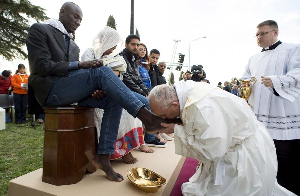 RELIGION-EASTER/POPE-HOLYTHURSDAY