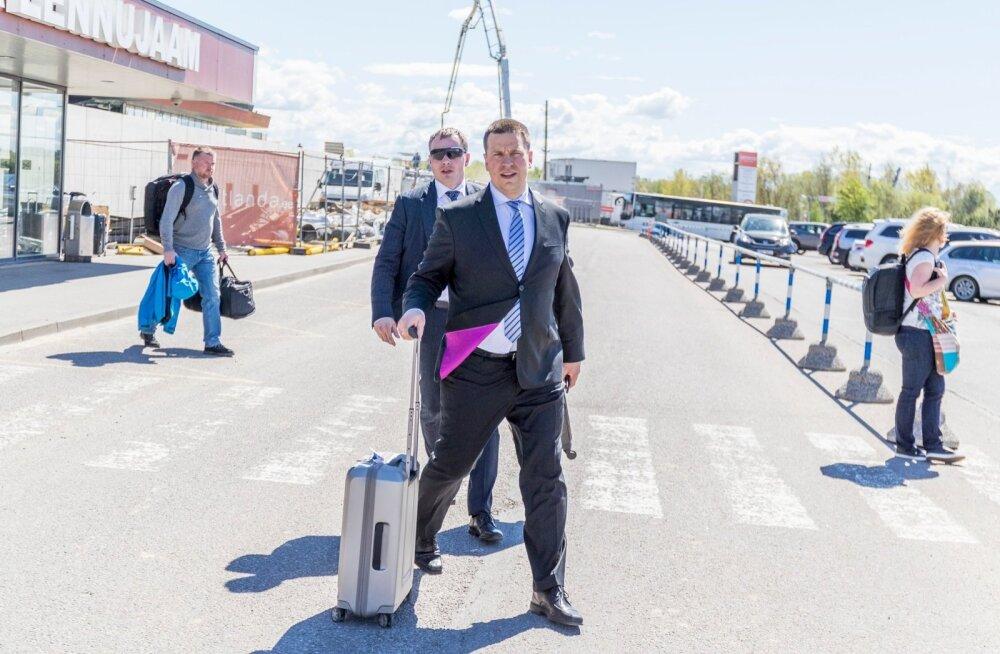 Peaminister Jüri Ratas saabus täna lõunal NATO toppkohtumiselt