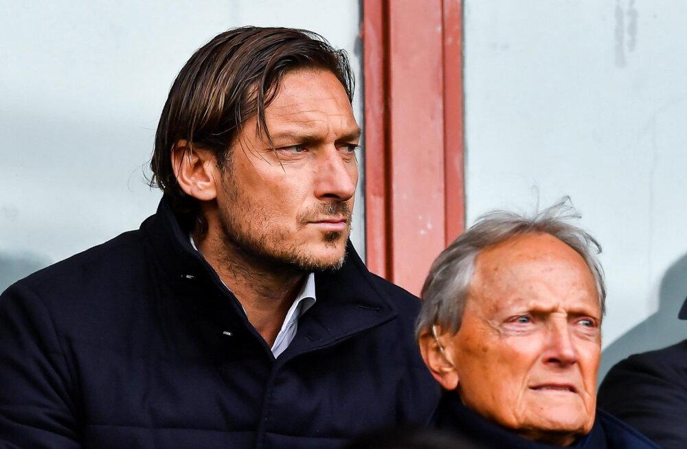 VIDEO | Francesco Totti andis futsali mängides trikitanud vastasele ideaalse vastuse