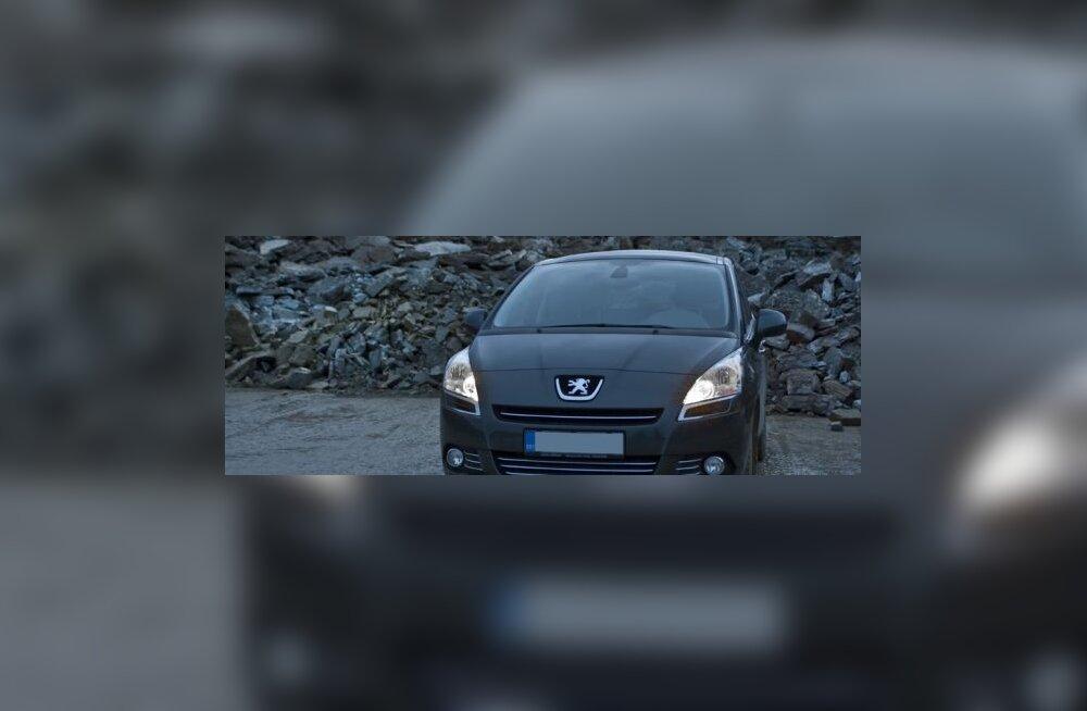 TestDrive: Peugeot 5008 - 6