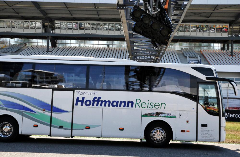 FOTOD | Turismibuss sõitis vormel 1 etapil Hockenheimis stardituled kõveraks