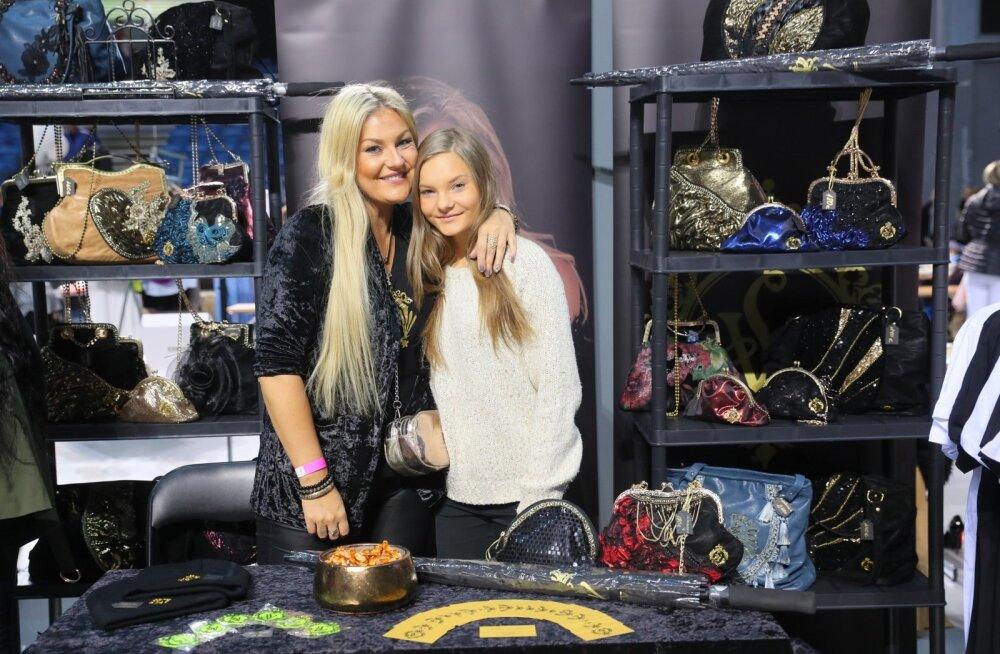 FOTOD | Valtri käekotid, Beebilõusta särgid ja Helen Kõpu teksad! Vaata, mida põnevat müüvad staarid Buduaari turul