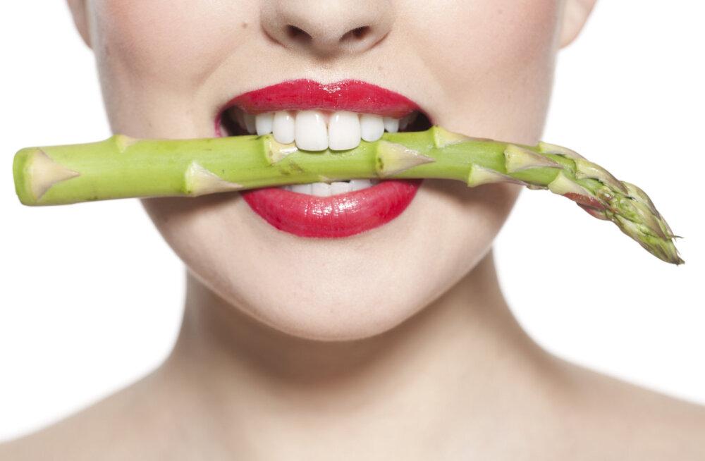 Мало ем, но не могу похудеть»: 5 неожиданных причин, делающих.