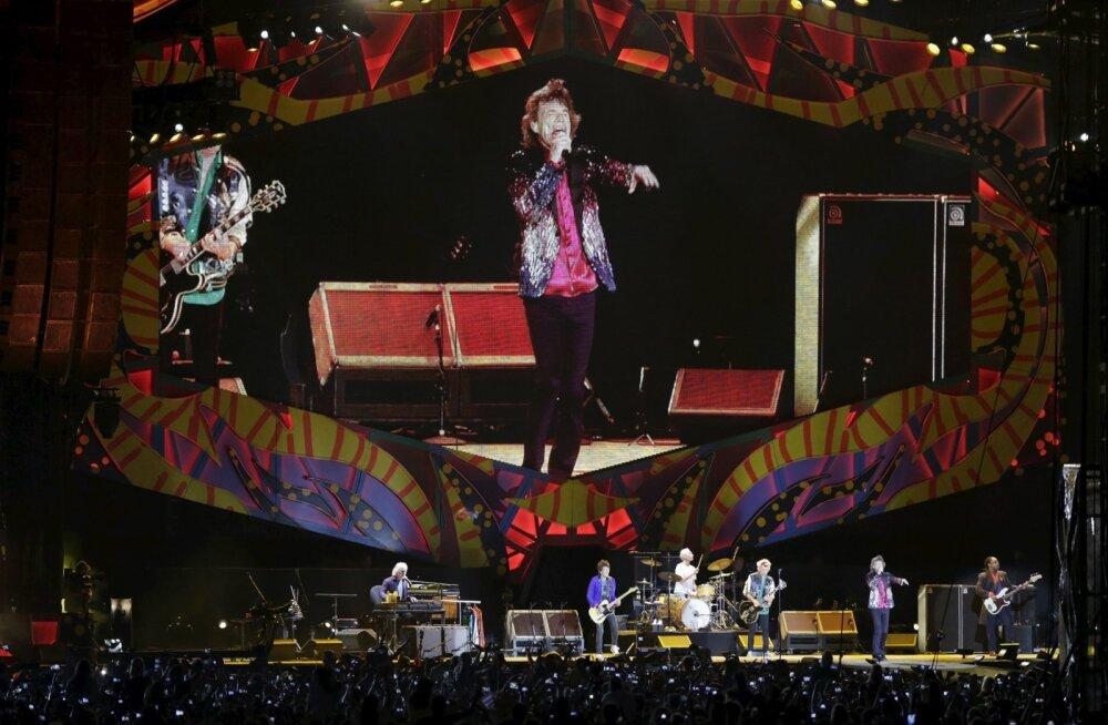 Rolling Stones kolib staadionitelt muusikalilavadele
