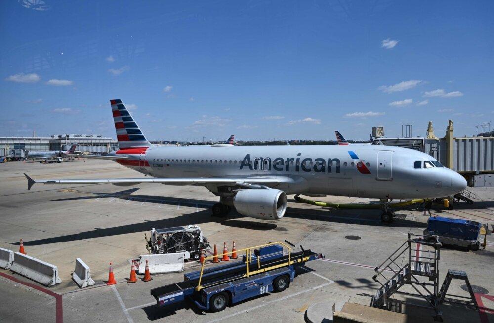 American Airlinesi lennuk Washingtoni lennujaamas.