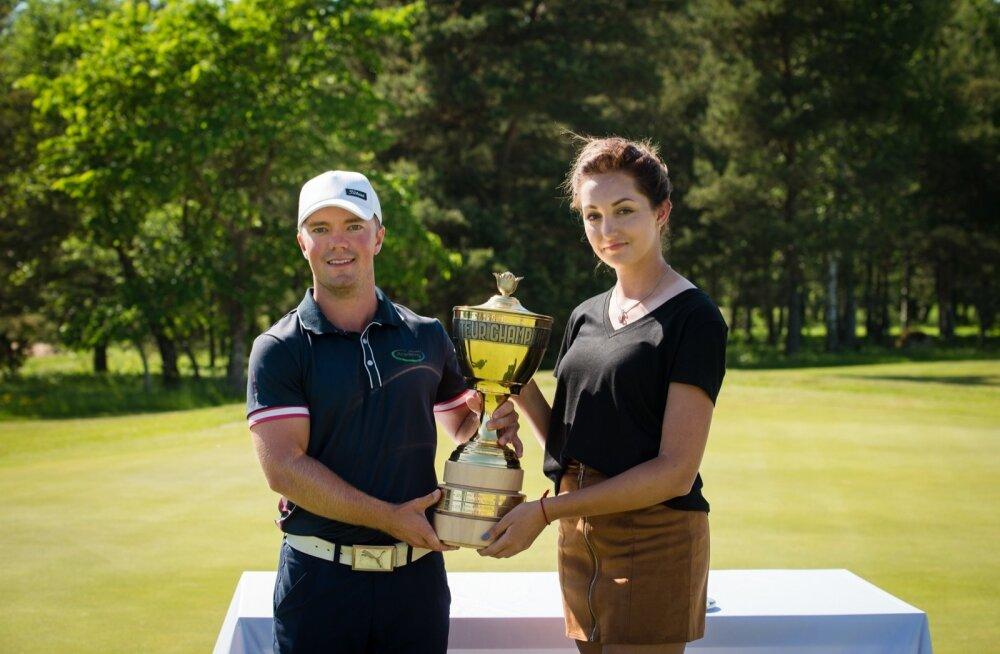 Estonian Amateur Openi võitjad: Rasmus Karlsson ja Jekaterina Malahhova.